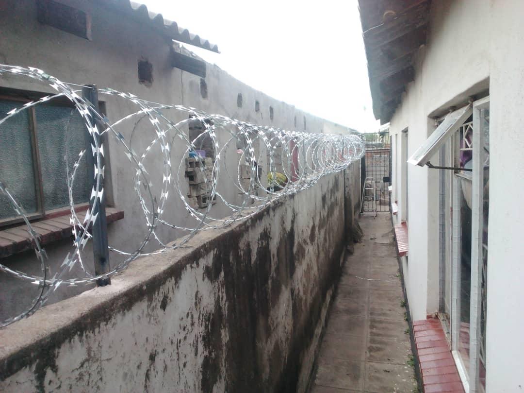 Fencing Durawall Amp Gates Savemari